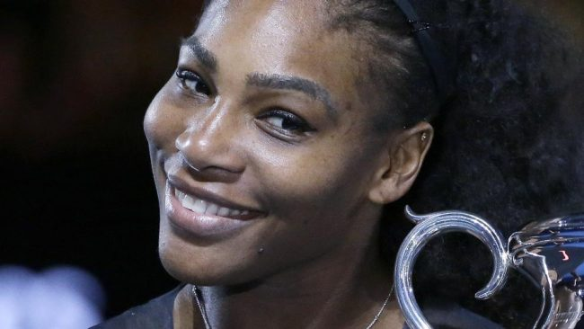 Serena Williams posa desnuda y embarazada para una revista