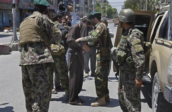 Cinco muertos por ataque a canal de televisión en Afganistán