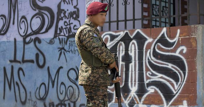 Sala de lo Constitucional ordena al gobierno recuperar territorios controlados por pandillas