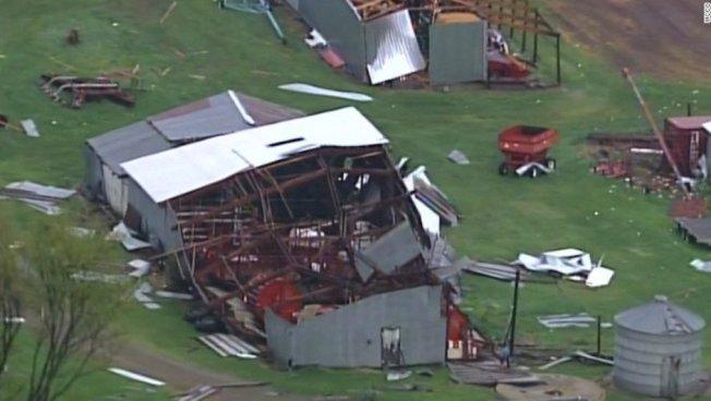 Tornados en Wisconsin y Oklahoma dejan al menos 2 muertos