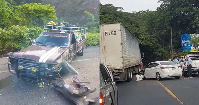 Triple accidente de tránsito sobre la carretera Panamericana deja daños materiales