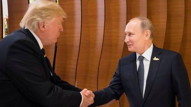 Donald Trump se reúne por primera vez con Vladimir Putin