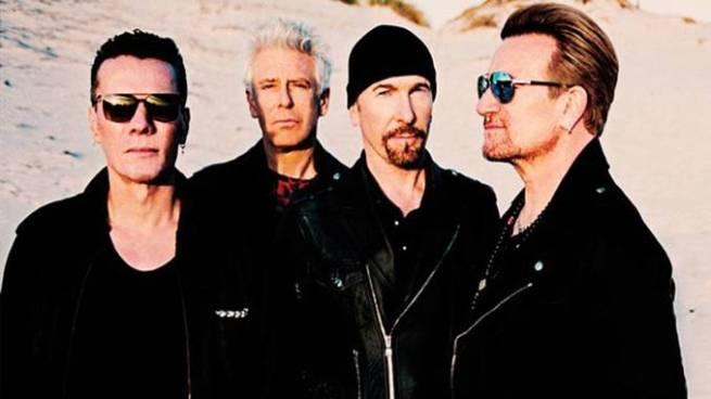 """U2 canta """"Cielito lindo"""" en honor a las víctimas del terremoto en México"""