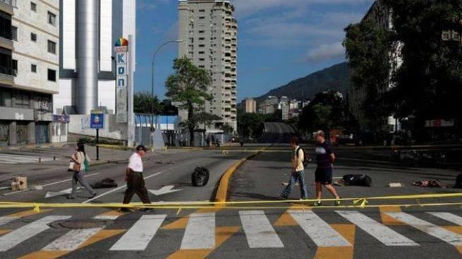 Oposición realiza paro nacional de 24 horas en Venezuela