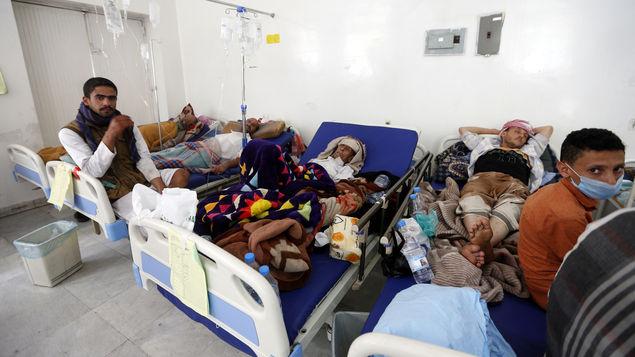 Se registran 300 mil casos sospechosos y mil 700 muertos por epidemia de cólera en Yemen
