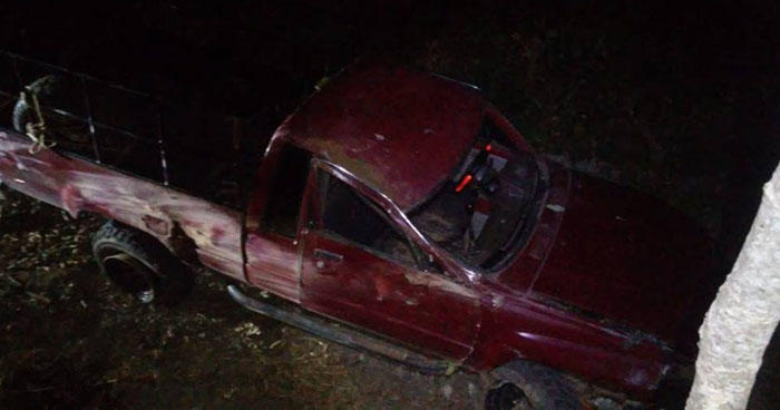 Al menos 10 lesionados tras vuelco de pick up en carretera de Ahuachapán