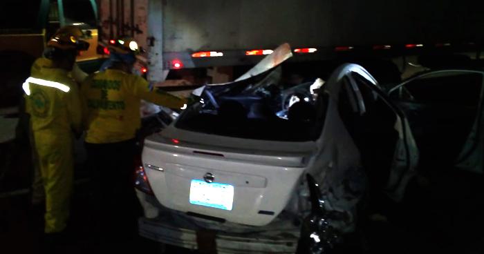 Dos fallecidos y dos lesionados tras accidente de transito en el bulevar del ejercito, Soyapango