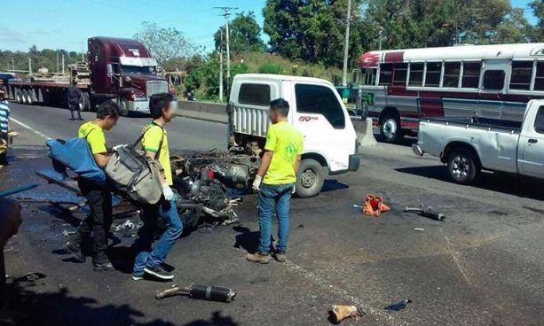 Dos muertos tras aparatoso accidente de tránsito en carretera de Santa Ana