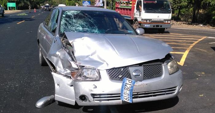 Una fallecida y un lesionado en accidente de tránsito en Apastepeque, San Vicente