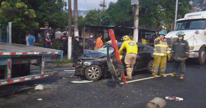 Seis lesionados dejó fuerte accidente en Bulevar del Ejército