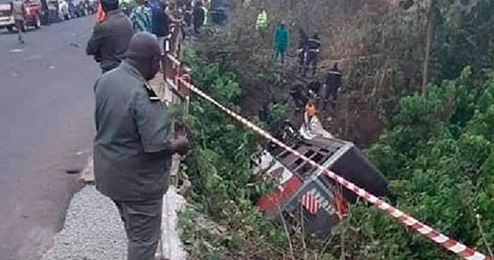 Accidente de tráfico deja casi cuarenta muertos en Camerún