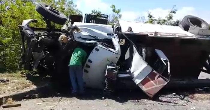 Un lesionado tras grave accidente de tránsito en carretera de Oro, Soyapango