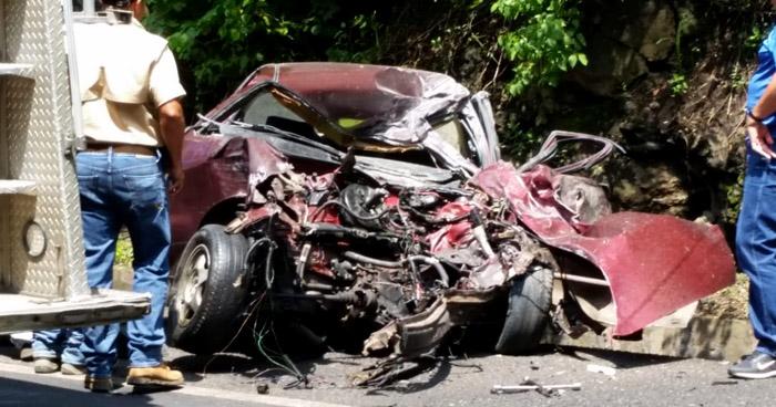 Un muerto y un lesionado tras aparatoso accidente de tránsito en carretera de Santa Ana