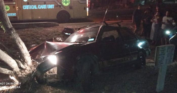 Conductor muere al impactar contra un árbol en Cojutepeque
