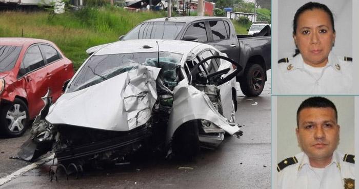 Dos subinspectores de la PNC mueren en accidente de tránsito sobre carretera Comalapa