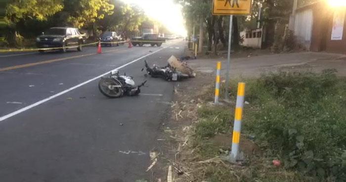 Un muerto tras choque entre motocicletas sobre carretera Litoral, Usulután