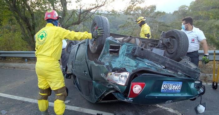 Cuatro lesionados tras accidente de tránsito en carretera de Oro