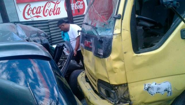 Accidente de transito en calle a Mariona deja un niño fallecido y 2 lesionados