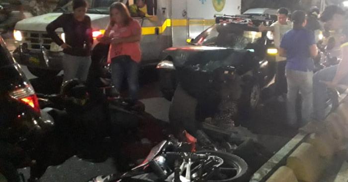 Conductor en estado de ebriedad causa múltiple accidente de transito en el Bulevar del Ejercito