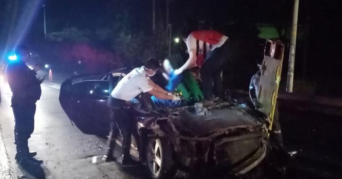 Un fallecido y un lesionado tras fuerte choque en carretera Troncal del Norte