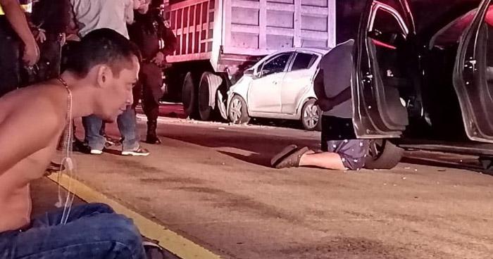 Hombre fallecido y agente de Tránsito lesionada tras doble choque en Bulevar Monseñor Romero
