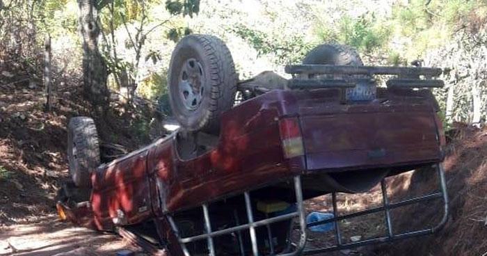 Un colombiano muere y 4 más resultan lesionados en accidente en Arambala, Morazán