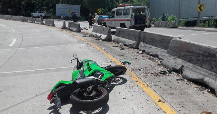 Un fallecido y un lesionado tras accidente de motocicleta en carretera al Puerto de La Libertad