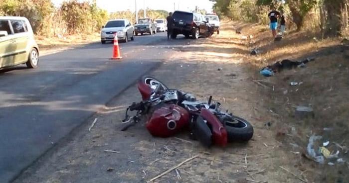 Motociclista pierde la vida al ser embestido en El Carmen, La Unión