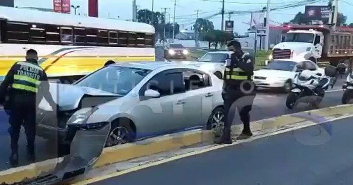 Al menos 7 vehículos involucrados en dos múltiples accidentes registrados esta mañana
