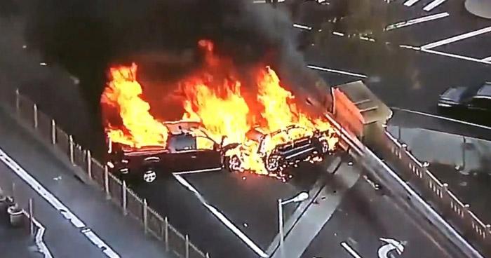 Un muerto y cinco heridos tras múltiple accidente en el puente de Brooklyn