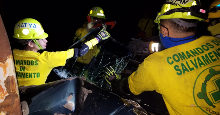 Mujer fallecida y otro lesionado tras fuerte accidente en carretera de Quezaltepeque