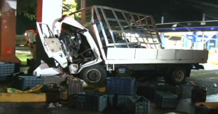 Tres lesionados tras grave choque en carretera de Santa Ana