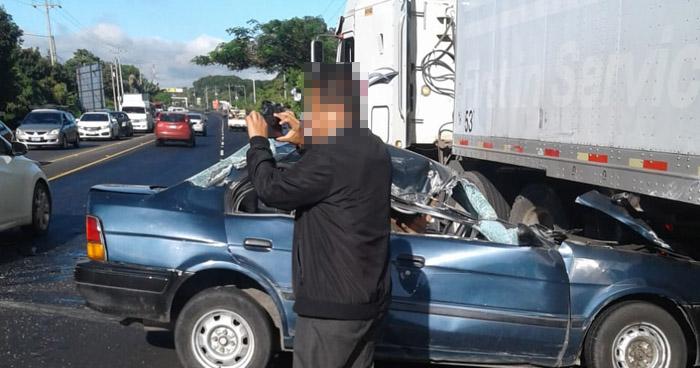 Un lesionado tras choque en carretera a Chalchuapa