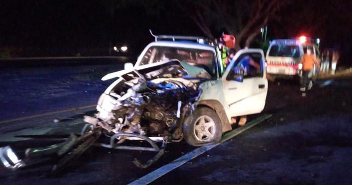 Dos fallecidos y 4 lesionados tras aparatoso accidente en carretera a Santa Ana