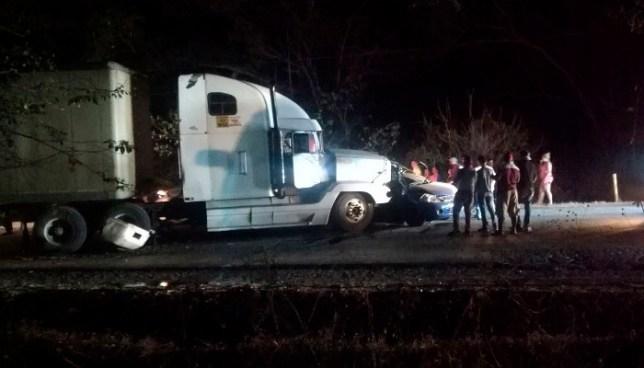 Un fallecido tras accidente de transito entre rastra y sedan en Santa Rosa de Lima