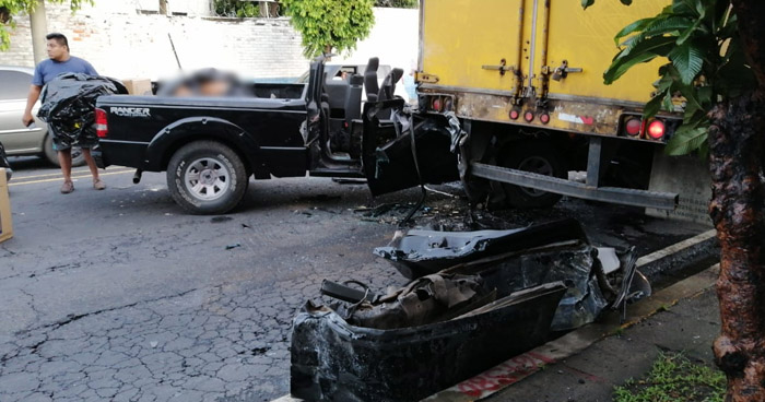 Pareja de esposos mueren y sus 2 hijos resultan heridos tras choque en Bulevar Venezuela