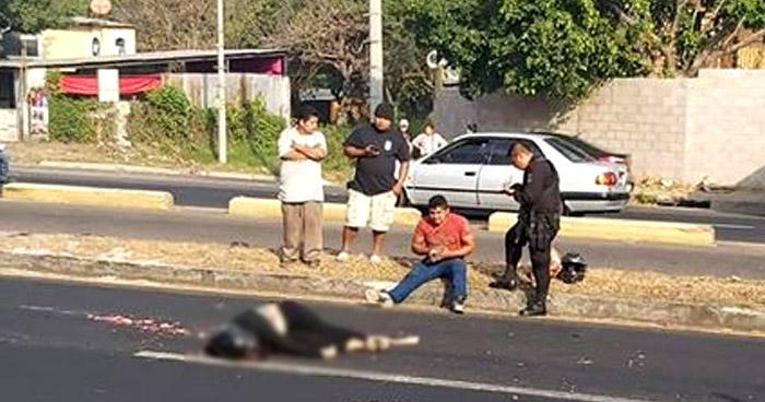 Acompañante de motociclista muere en accidente en carretera de San Juan Opico