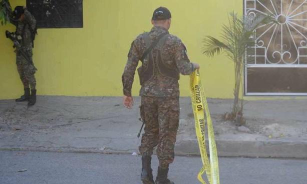 Encuentran muerto a un agente de la PNC en colonia Miralvalle, San Salvador