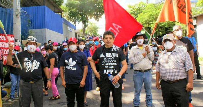 Empleados públicos y municipales piden reforma integral de pensiones