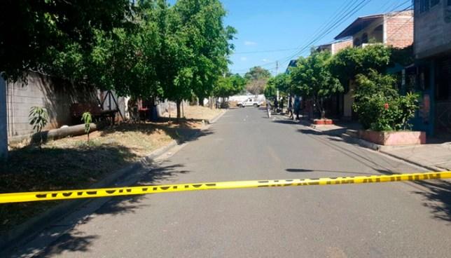 Asesinan a un hombre y lesionan a otro frente al hospital nacional de Ahuachapan