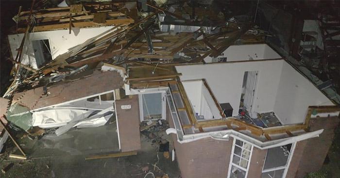 Una fallecida y cinco heridos por paso de tornado en Alabama, Estados Unidos