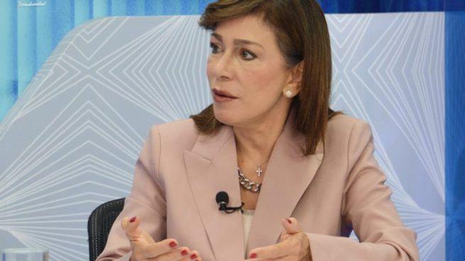 Ana Vilma de Escobar desmiente haber recibido sobresueldo