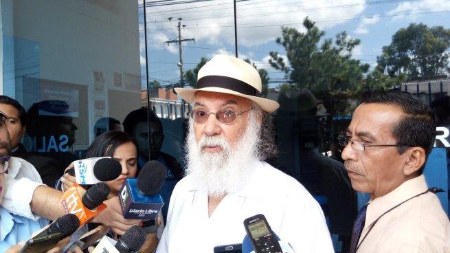 Salvador Arias pide que se les aplique ley de Extinción de Dominio a 177 funcionarios
