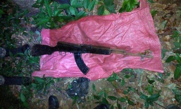 Policía decomisa un fusil AK-47 a pandilleros en California, Usulután
