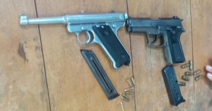 Un menor de edad y dos más detenidos por portación ilegal de armas