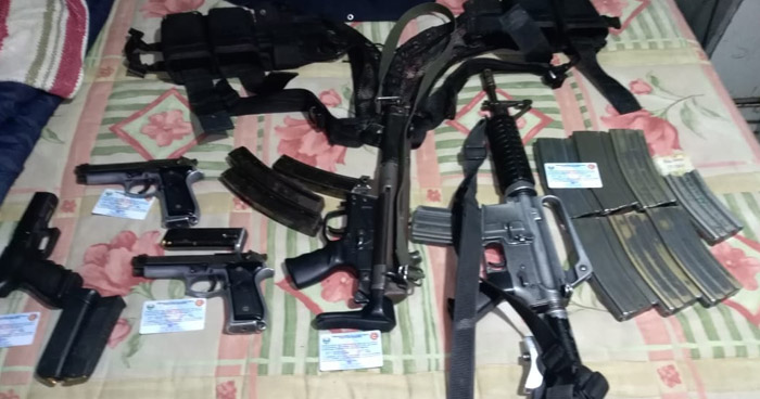 Varias armas de fuego fueron ubicadas en una de las propiedades vinculadas a Tony Saca