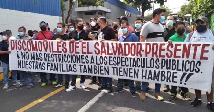 """""""No más restricciones"""", artistas protestan contra prohibición de eventos"""
