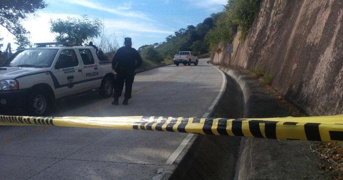 Asesinan a un hombre al interior de su vivienda en El Rosario, La Paz