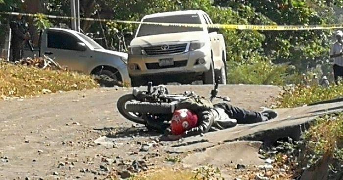 Asesinan a un hombre cuando viajaba a bordo de una motocicleta en San Miguel