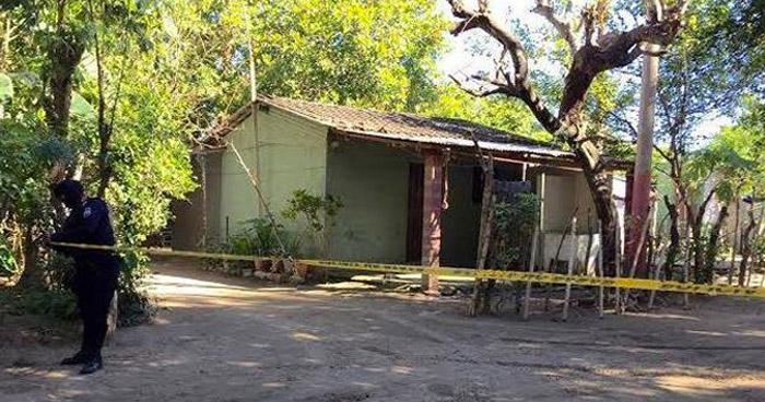 Hombre fue asesinado en el corredor de su vivienda en El Rosario, La Paz